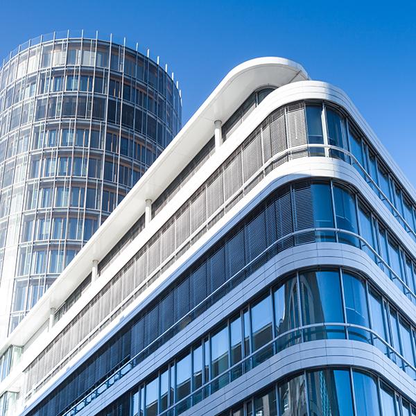 modernes Brogebude in Deutschland  - Hochhaus